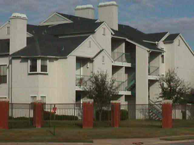 gardens of valley ranch apartments at 430 red river tr