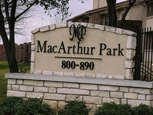 macarthur park apartments at 812 kinwest pkwy irving tx